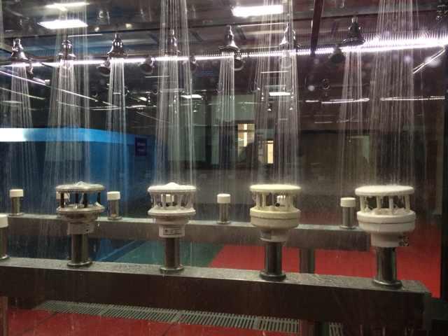 防冲水试验装置