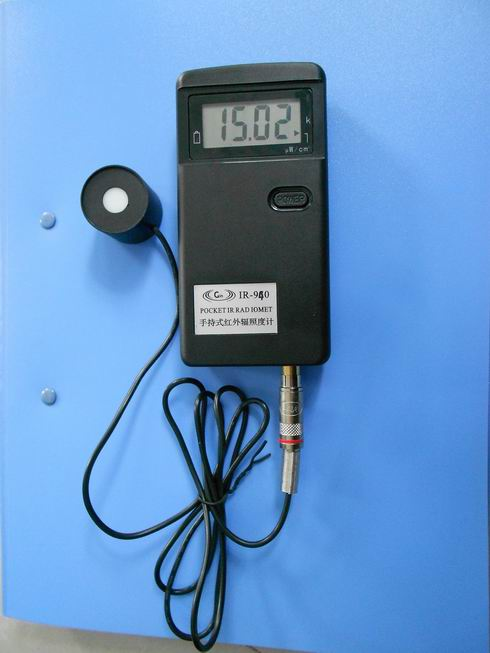 IR-940手持式红外辐照计